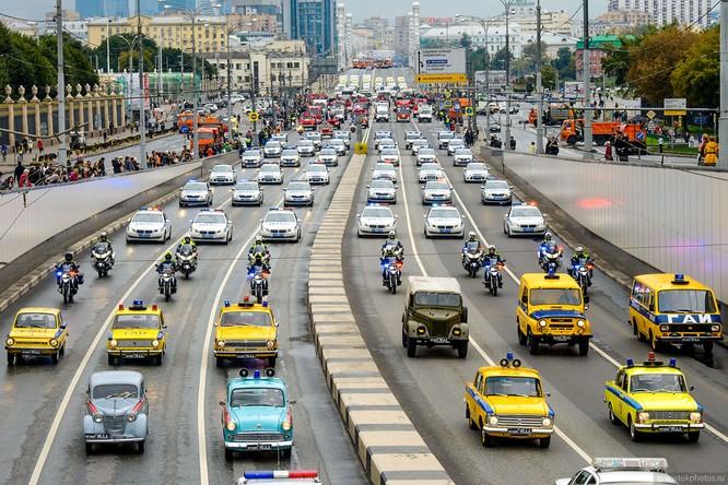 Lễ diễu hành đoàn xe dịch vụ công thành phố Moscow (ảnh + video) ảnh 11