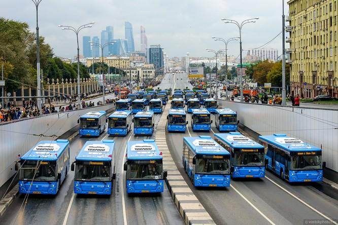 Lễ diễu hành đoàn xe dịch vụ công thành phố Moscow (ảnh + video) ảnh 13