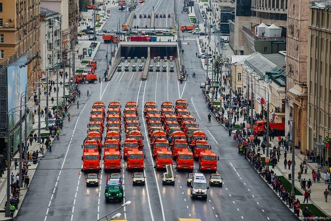 Lễ diễu hành đoàn xe dịch vụ công thành phố Moscow (ảnh + video) ảnh 14