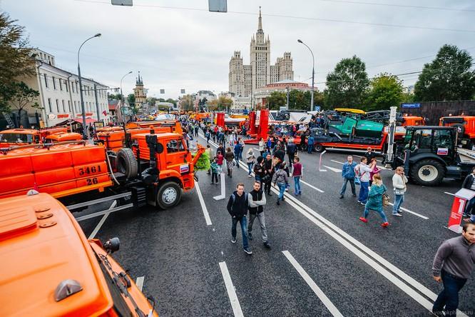 Lễ diễu hành đoàn xe dịch vụ công thành phố Moscow (ảnh + video) ảnh 24