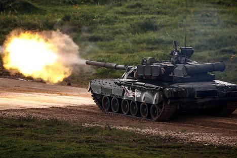 Tăng T-14 Armata phô diễn hoành tráng trong video kỷ niệm ngày Tăng Thiết giáp Nga - VIDEO ảnh 3