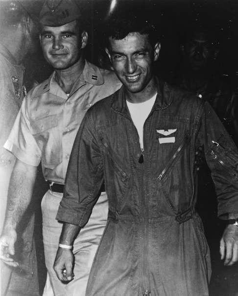 Lần chết hụt kinh hoàng của viên phi công B52 Mỹ tham chiến tại Việt Nam ảnh 2
