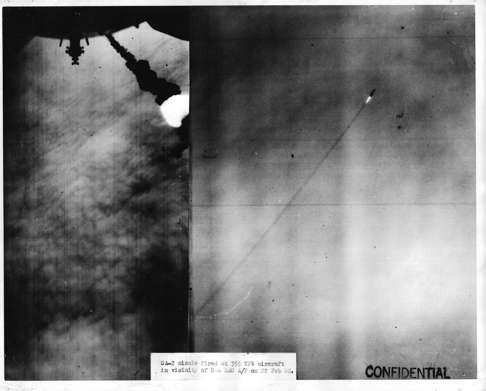 Lần chết hụt kinh hoàng của viên phi công B52 Mỹ tham chiến tại Việt Nam ảnh 3