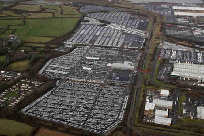 Nghĩa địa xe, thảm họa công nghiệp ô tô đe dọa thế giới ảnh 2