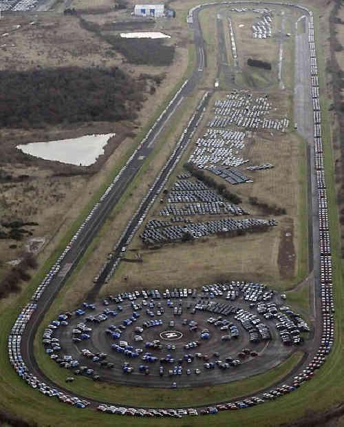 Nghĩa địa xe, thảm họa công nghiệp ô tô đe dọa thế giới ảnh 4