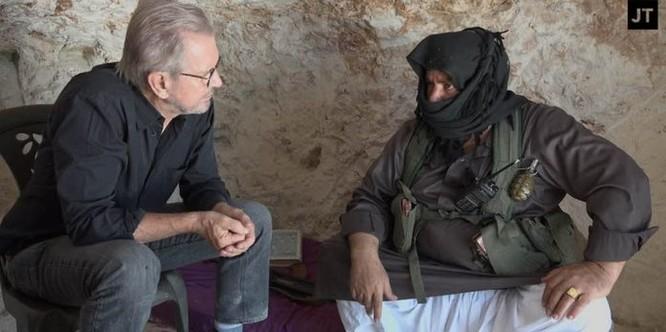Chiến sự Syria: Thủ lĩnh phiến quân khẳng định nhận tên lửa chống tăng từ Mỹ ảnh 1