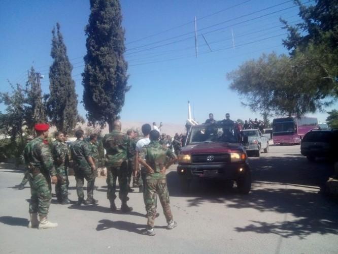 Lực lượng quân tình nguyện đến tiếp viện cho Hama ảnh 4