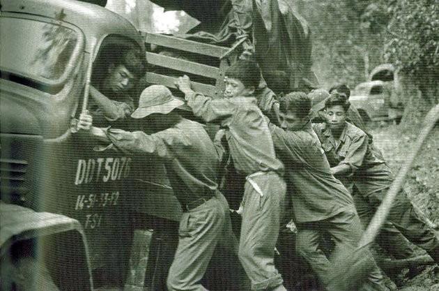 Việt Nam khiến Mỹ phá sản chiến tranh thời tiết và hóa học ảnh 10