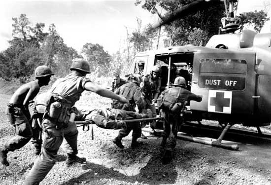 """Bao nhiêu lính Mỹ bỏ mạng vì """"ta bắn mình"""" tại chiến trường Việt Nam ảnh 1"""