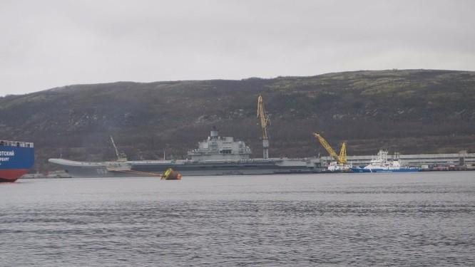 Tàu sân bay Kuznetsov cập cảng Tartous, chuẩn bị chiến dịch không kích ở Syria ảnh 2