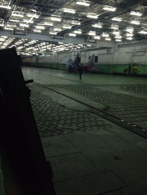 Tàu sân bay Kuznetsov cập cảng Tartous, chuẩn bị chiến dịch không kích ở Syria ảnh 3