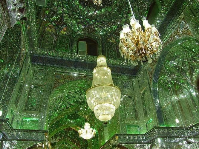 Lăng mộ ánh sáng tuyệt mỹ bậc nhất của vương quốc Ba Tư cổ ảnh 1