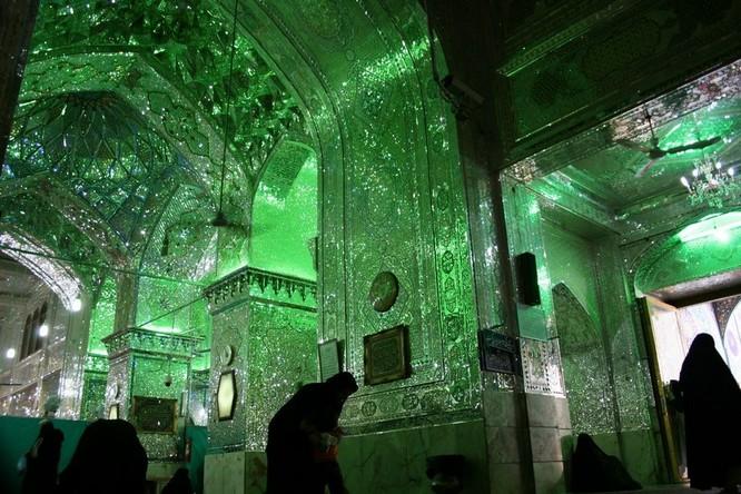 Lăng mộ ánh sáng tuyệt mỹ bậc nhất của vương quốc Ba Tư cổ ảnh 3