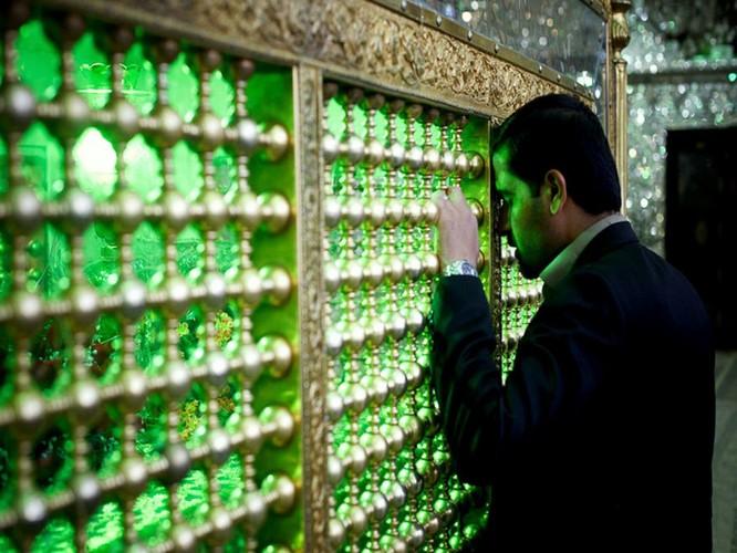 Lăng mộ ánh sáng tuyệt mỹ bậc nhất của vương quốc Ba Tư cổ ảnh 4