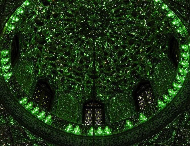 Lăng mộ ánh sáng tuyệt mỹ bậc nhất của vương quốc Ba Tư cổ ảnh 5
