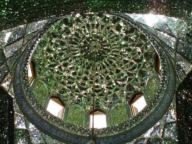 Lăng mộ ánh sáng tuyệt mỹ bậc nhất của vương quốc Ba Tư cổ ảnh 6