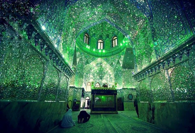 Lăng mộ ánh sáng tuyệt mỹ bậc nhất của vương quốc Ba Tư cổ ảnh 7
