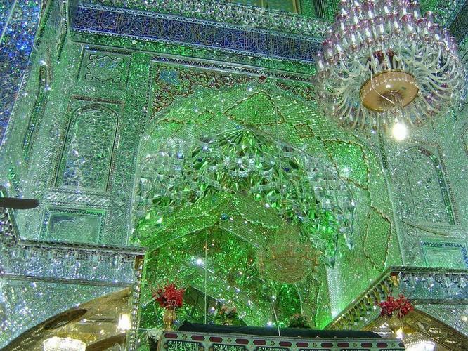 Lăng mộ ánh sáng tuyệt mỹ bậc nhất của vương quốc Ba Tư cổ ảnh 8