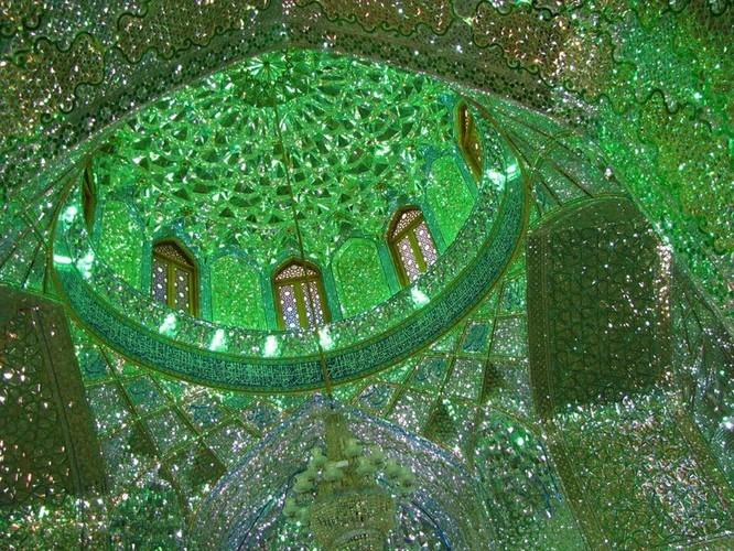 Lăng mộ ánh sáng tuyệt mỹ bậc nhất của vương quốc Ba Tư cổ ảnh 9