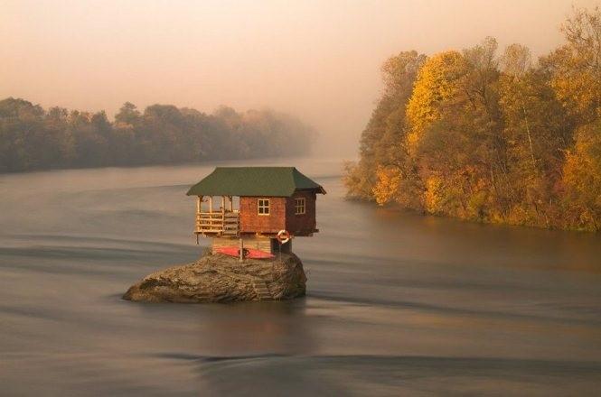 Những ngôi nhà cô đơn đẹp tuyệt vời trên thế giới ảnh 10