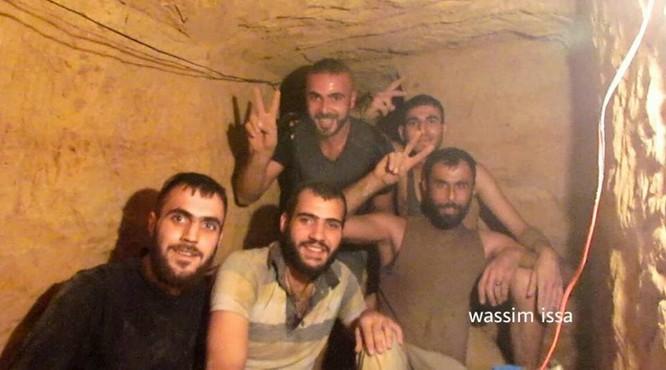 Quân đội Syria hủy diệt trung tâm khủng bố ở ngoại ô Damascus ảnh 6