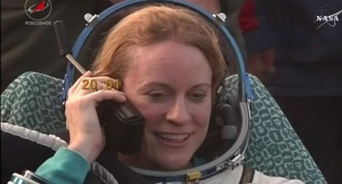 Video: Tàu vận tải vũ trụ MS-01 cùng 3 phi hành gia hạ cánh an toàn ảnh 2