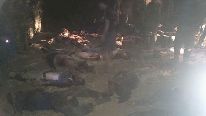 Chiến sự Syria: Lọt ổ phục kích, 33 tay súng thánh chiến nộp mạng ảnh 1