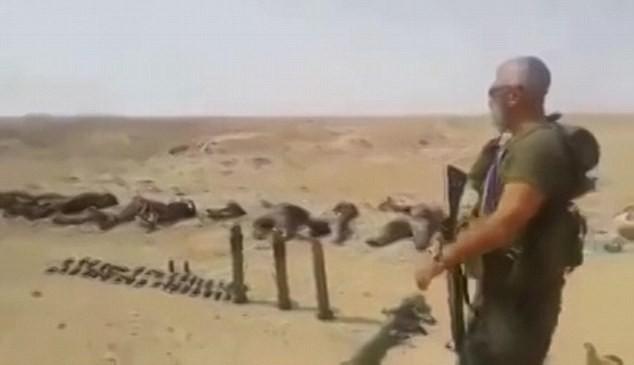 Video: Hàng trăm chiến binh IS chết la liệt sau trận đánh ảnh 1