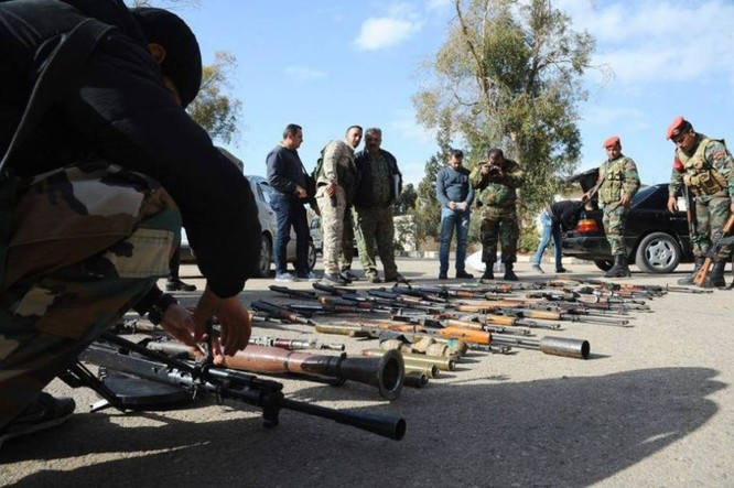 Chiến sự Syria: 700 tay súng thánh chiến nộp vũ khí đầu hàng ảnh 1
