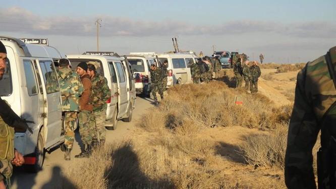 Quân đội Syria dồn binh lực, chuẩn bị phản kích tái chiếm Palmyra ảnh 3