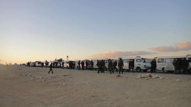 Quân đội Syria dồn binh lực, chuẩn bị phản kích tái chiếm Palmyra ảnh 4