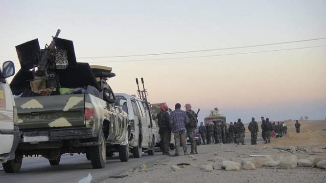 Quân đội Syria dồn binh lực, chuẩn bị phản kích tái chiếm Palmyra ảnh 6