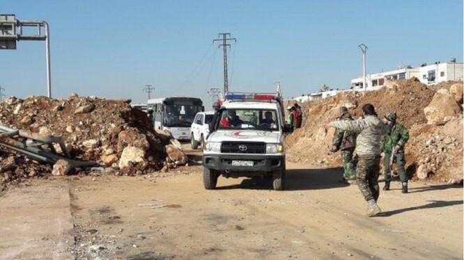 Chiến sự Syria: Tha mạng hàng ngàn phiến quân để đổi lấy thường dân ảnh 1