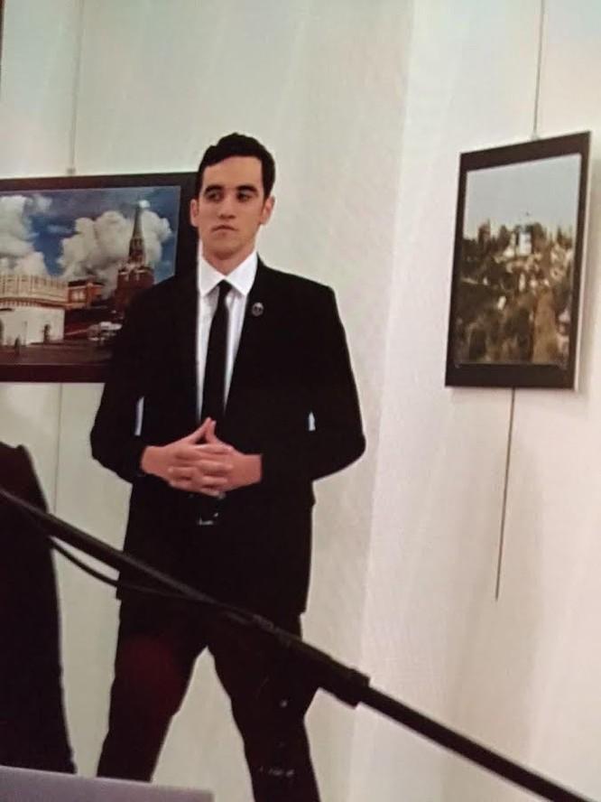 Đại sứ Nga tại Thổ Nhĩ Kỳ bị ám sát ở thủ đô Ankara - VIDEO ảnh 2