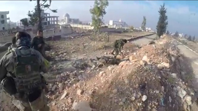 Trận chiến Aleppo: Đặc nhiệm Nga xung trận cùng binh sĩ Hezbollah (video) ảnh 3