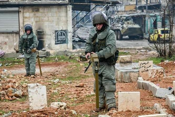 """Trận chiến Aleppo: Quân đội Nga xua đuổi """"thần chết"""" (video) ảnh 26"""