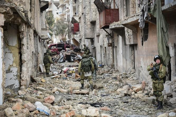 """Trận chiến Aleppo: Quân đội Nga xua đuổi """"thần chết"""" (video) ảnh 11"""