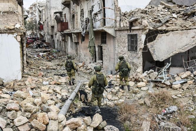 """Trận chiến Aleppo: Quân đội Nga xua đuổi """"thần chết"""" (video) ảnh 9"""
