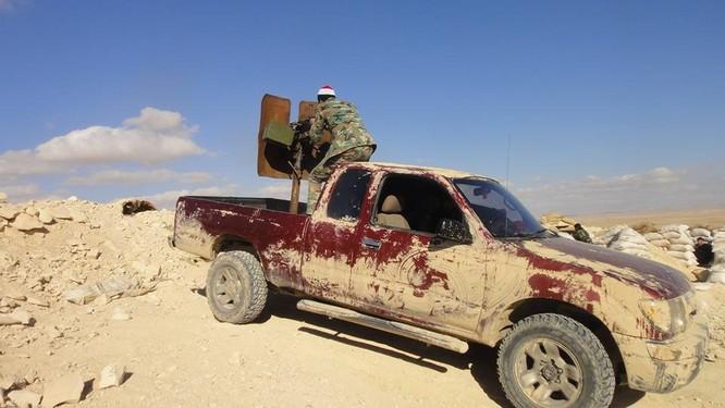 Trận chiến Palmyra: Pháo Syria khạc lửa dập nát hơn 40 tay súng IS ảnh 2