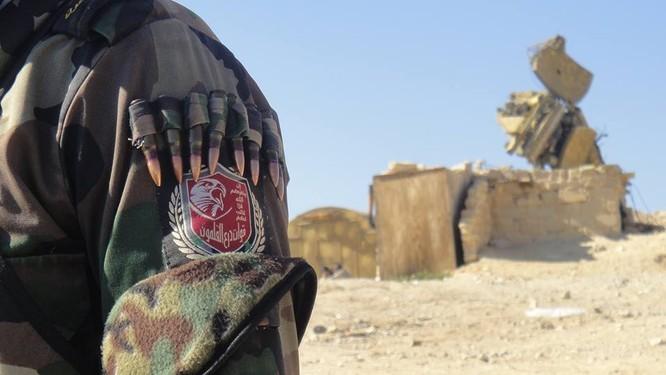Trận chiến Palmyra: Pháo Syria khạc lửa dập nát hơn 40 tay súng IS ảnh 4