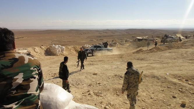Trận chiến Palmyra: Pháo Syria khạc lửa dập nát hơn 40 tay súng IS ảnh 5