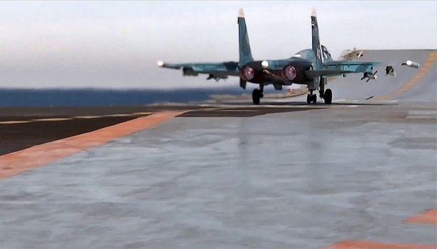Chiến cuộc Syria: Nga tự tin rút tàu sân bay, bớt binh lực ảnh 6