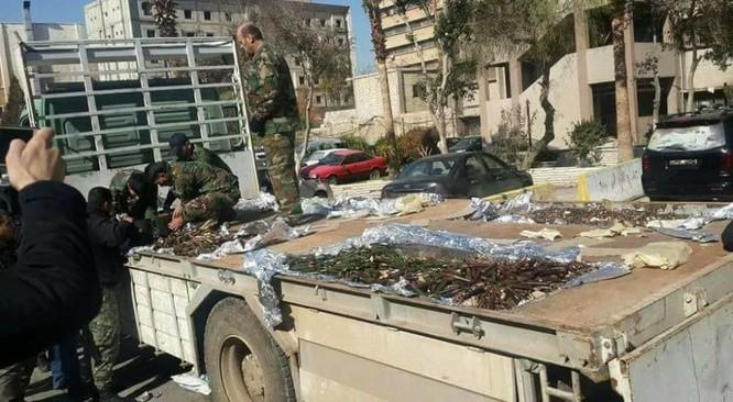 Quân đội Syria thu giữ một kho vũ khí lớn ở ngoại ô Damascus ảnh 3