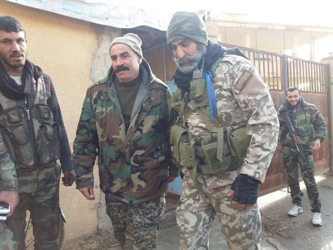 Chảo lửa Deir Ezzor: Quân đội Syria tiếp tục phản kích phá vây IS (video) ảnh 1