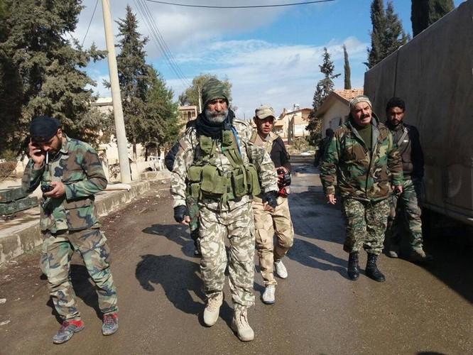 Chảo lửa Deir Ezzor: Quân đội Syria tiếp tục phản kích phá vây IS (video) ảnh 2