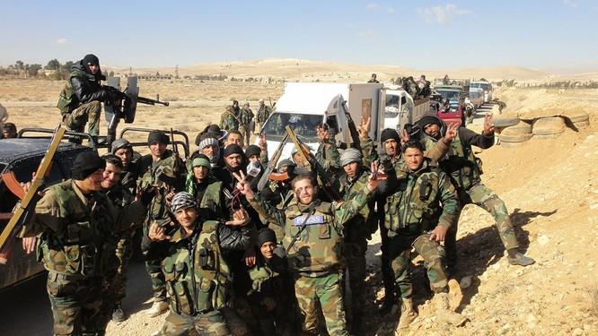 Quân đội Syria bẻ gãy cuộc tấn công của IS ở ngoại ô Damascus ảnh 1