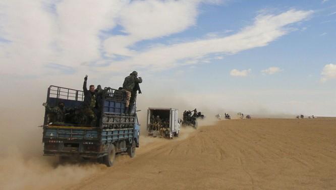 Quân đội Syria bẻ gãy cuộc tấn công của IS ở ngoại ô Damascus ảnh 2