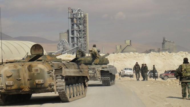 Quân đội Syria bẻ gãy cuộc tấn công của IS ở ngoại ô Damascus ảnh 3