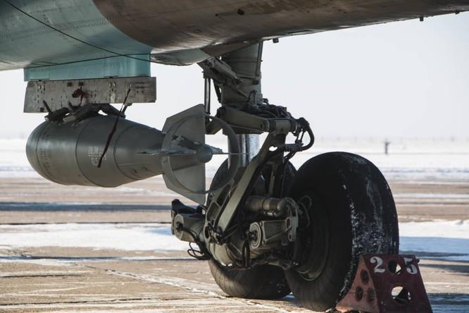 """""""Thú mỏ vịt"""" Su-34 Nga huấn luyện chiến đấu trong băng giá ảnh 6"""