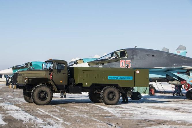 """""""Thú mỏ vịt"""" Su-34 Nga huấn luyện chiến đấu trong băng giá ảnh 20"""